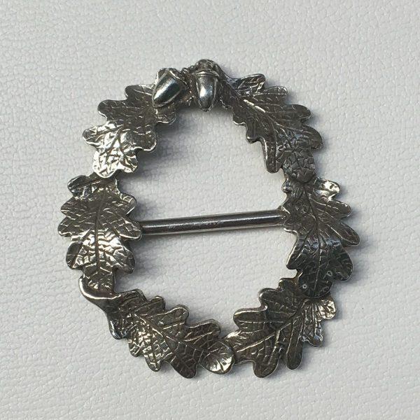 oak leaf wreath scarf ring