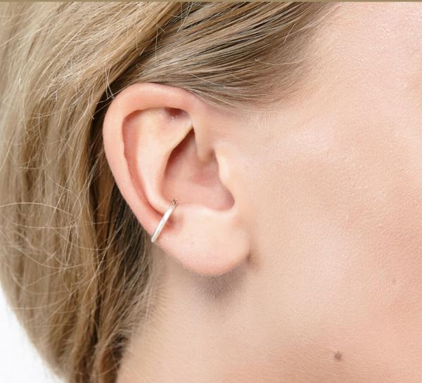 ear cuff on model