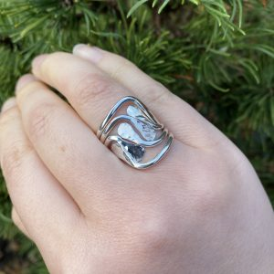 hammered silver ring on LJ