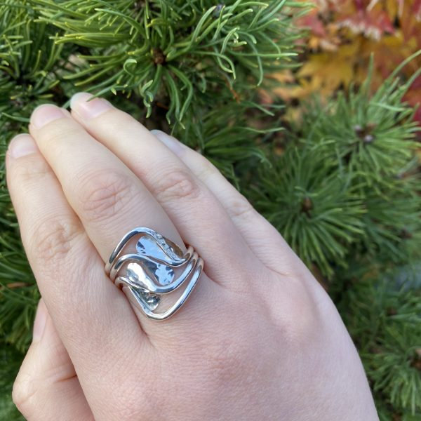 hammered swirl ring close